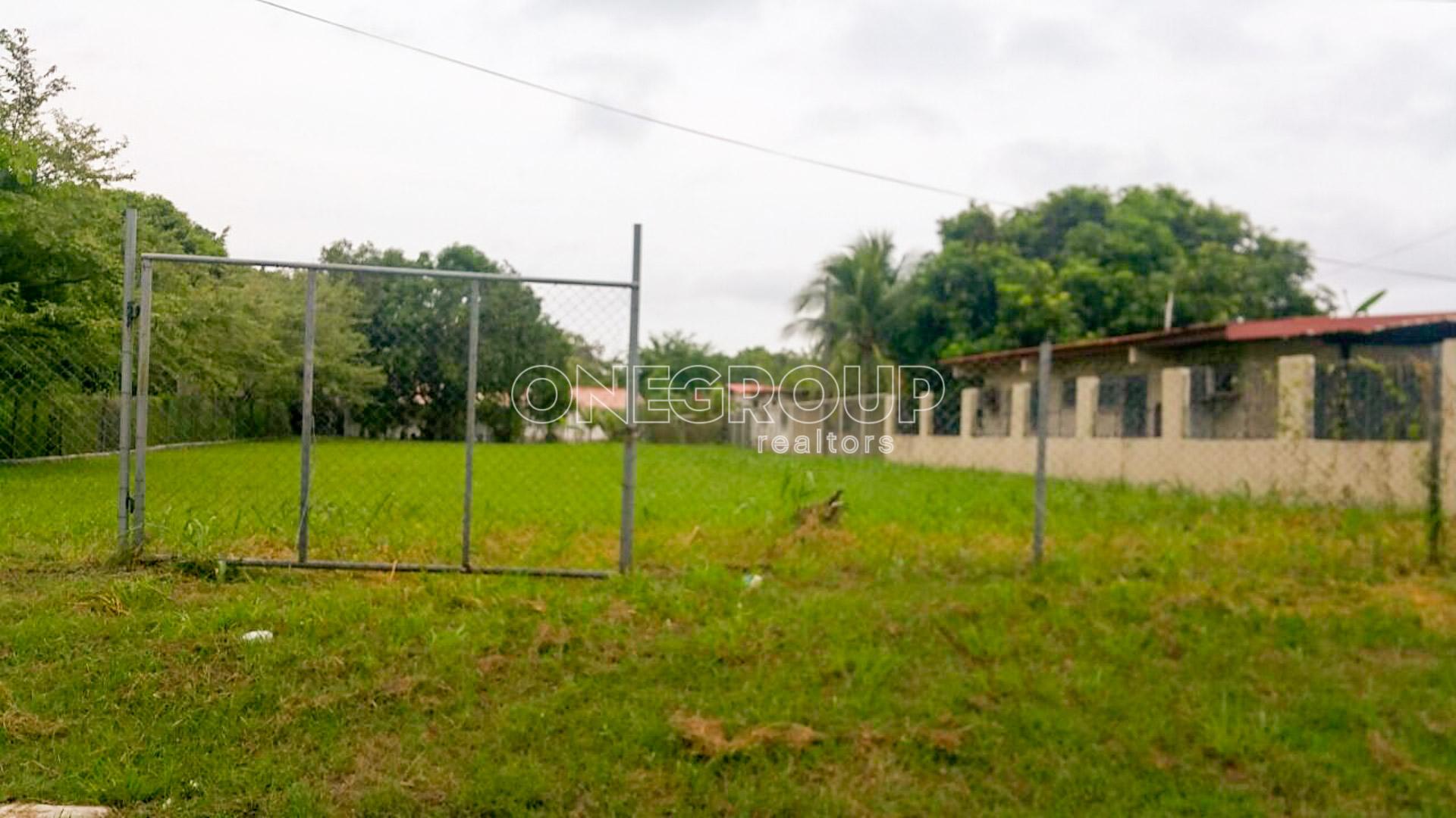 Lot 23 in Punta Prieta